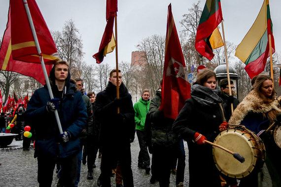 Vidmanto Balkūno / 15min nuotr./Jaunimo eisena Vilniuje Nepriklausomybės šimtmečio proga