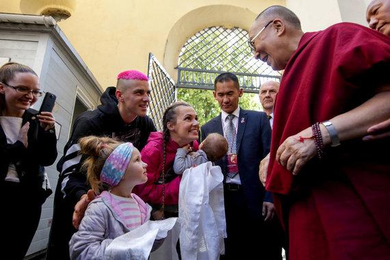 Vidmanto Balkūno / 15min nuotr./Dalai Lamos paskaitos svečiai – Donato Montvydo šeima