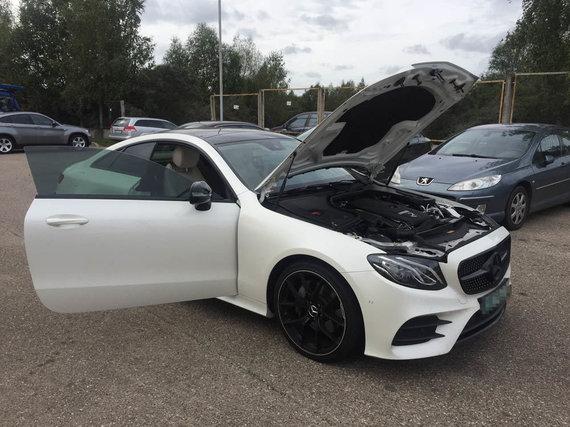 """VSAT nuotr./Sulaikytas vogtas """"Mercedes-Benz Daimler AG E200"""""""