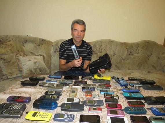 Andriaus Grygelaičio nuotr./Mobiliųjų telefonų kolekcija