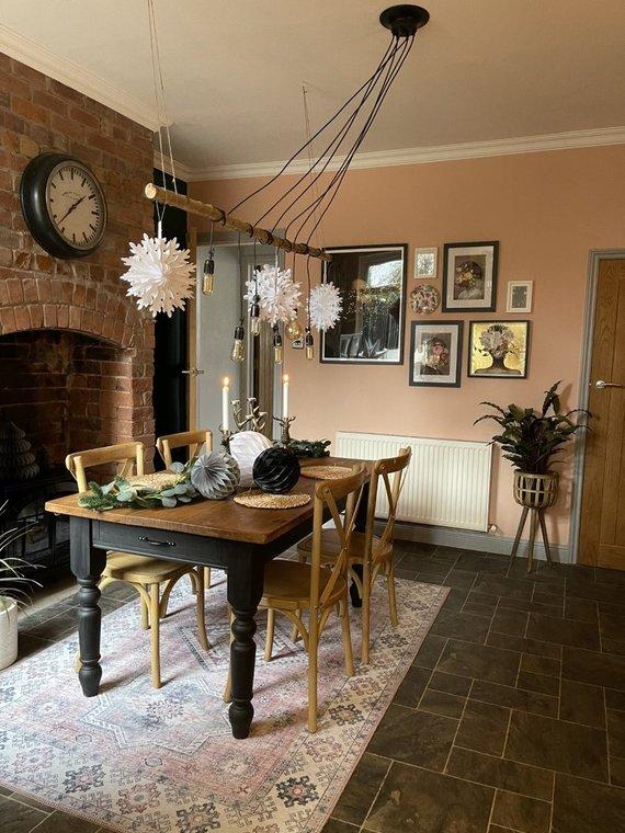Vida Press nuotr./Britė pirmuosius namus neatpažįstamai transformavo už kelis tūkstančius svarų