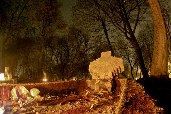 V. Gulbickij nuotr./Apleistos kapinės Naujoje Vilnioje