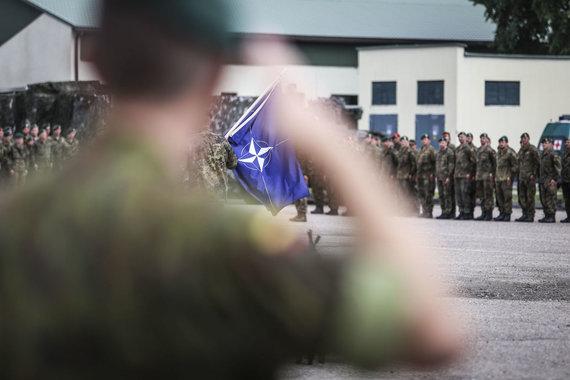 Ievos Budzeikaitės nuotr./ NATO priešakinių pajėgų bataliono kovinės grupės rotacijų ir vadovybės pasikeitimo ceremonija