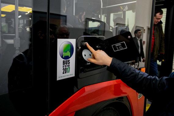 """Sauliaus Žiūros nuotr./Gamykloje """"Solaris Bus & Coach S.A"""" gaminami autobusai Vilniui"""
