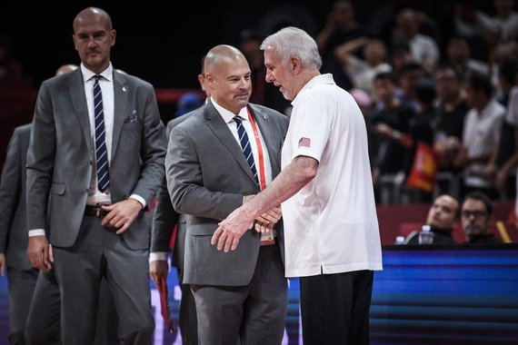 FIBA nuotr./Mike'as Tayloras ir Greggas Popovichius