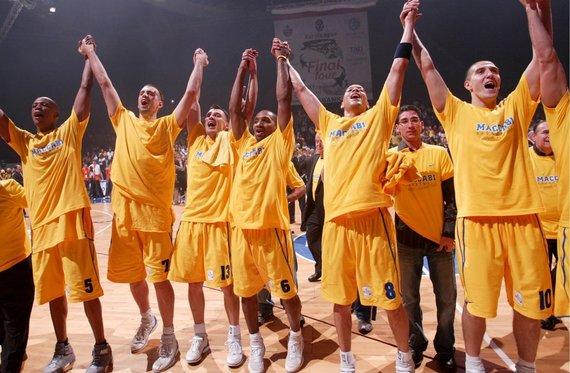 Getty Images/Euroleague.net nuotr./Maceo Bastonas, Nikola Vujčičius, Šarūnas Jasikevičius, Derrickas Sharpas, Anthony Parkeris ir Talis Buršteinas 2005 m.