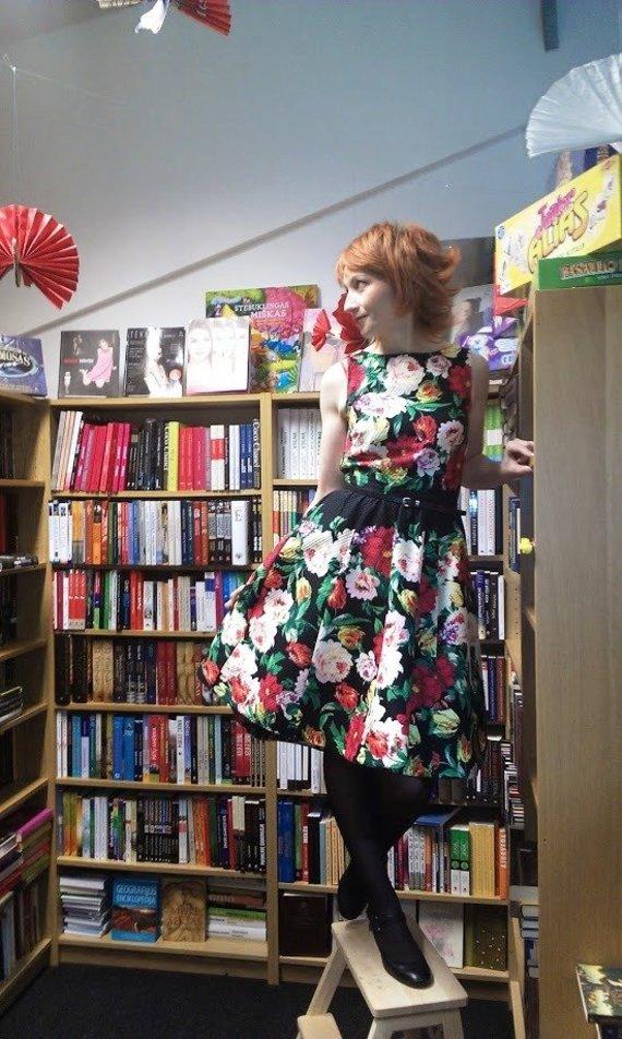 Nuotr. iš asm. albumo/Lina Garnytė kviečia skaitytojus užsukti į knygyną, kaip į savo namus.