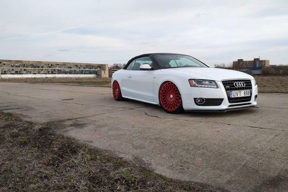 Partnerio nuotr./Audi A5 Cabrio