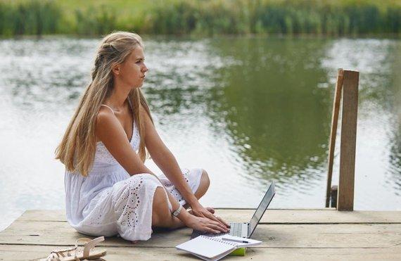 Partnerio nuotr./Darbas gyvenant ant ežero kranto