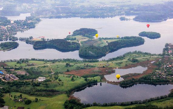 Karolinos Stažytės nuotr./Skrydis oro balionu virš Zarasų