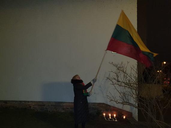 Skaitytojo Raimondo nuotr./Konfliktas Vilniaus Trispalvės alėjoje