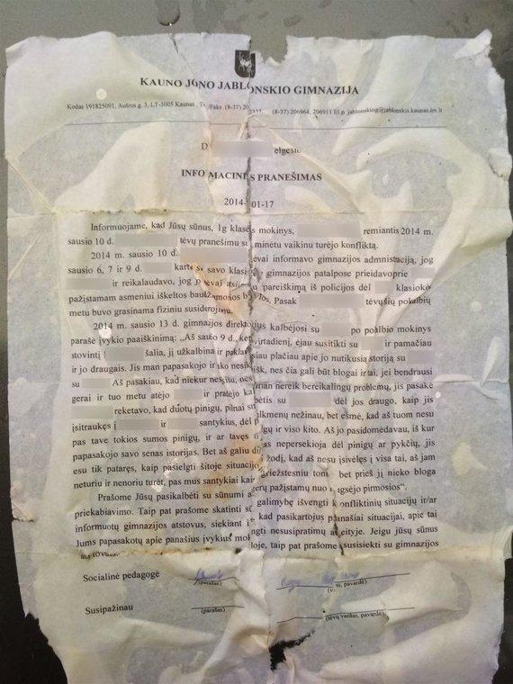 Skaitytojų nuotr./Šiukšles Romainių pušyne išmetusius šiukšlintojus išdavęs dokumentas