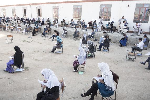 Joël van Houdt nuotr./Studentai laiko politinės anglų kalbos egzaminą