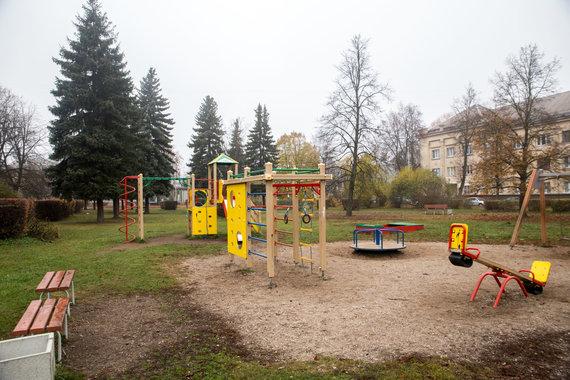 Mariaus Vizbaro / 15min nuotr./Vilijampoliečiai nerimauja dėl Sąjungos aikštės ir parko likimo
