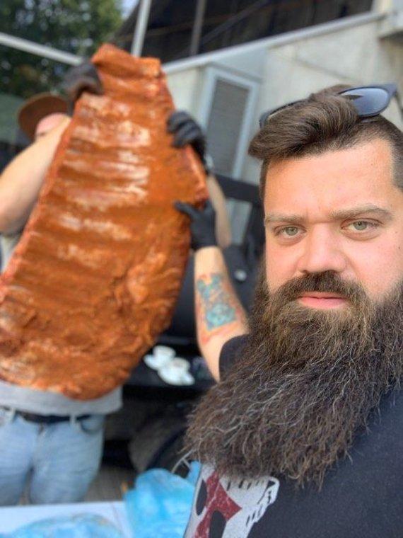 """Asmeninio albumo nuotr./""""Viking the chef"""" Vylius Blauzdavičius"""