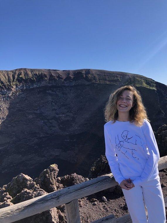 Asmeninio albumo nuotr./Vezuvijaus ugnikalnis, Aistė Diržiūtė
