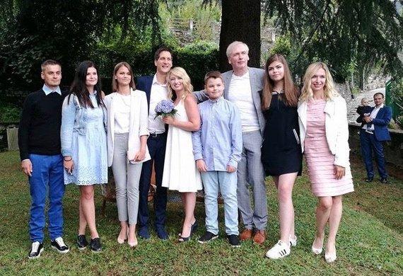 Asmeninė nuotr./Saulė Rinkevičiūtė ir Julien Singer su šeima