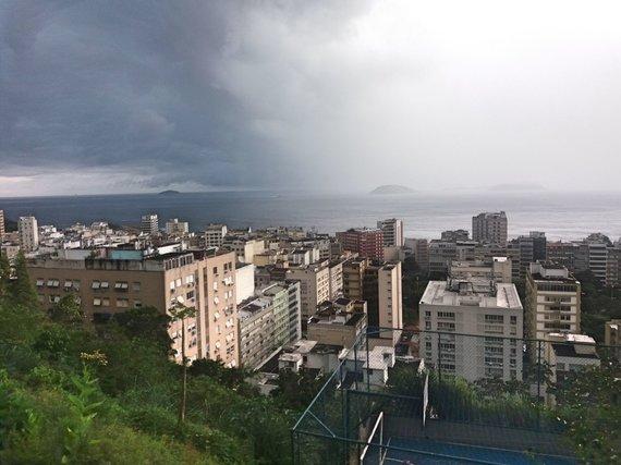 Ugniaus Antanavičiaus nuotr./Rio turistinės dalies vaizdas, žvelgiant iš favelos