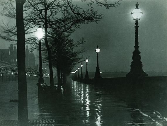 Nationalparksatnight.com nuotr. /Paulo Martino užfiksuotas naktinis Londonas