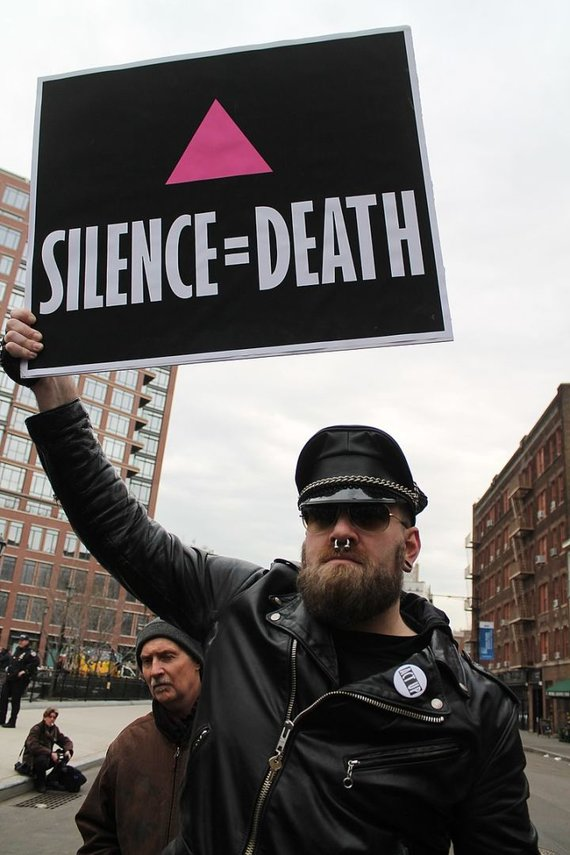 Elvert Barnes nuotr./Rožinis trikampis LGBT eitynėse 2017 m.