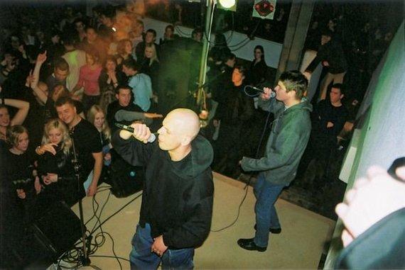 """Nuotrauka iš oficialaus grupės puslapio/""""G&G Sindikato"""" koncertas karjeros pradžioje"""