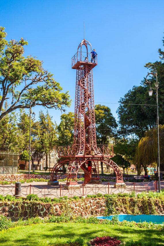 123rf.com nuotr./Eifelio bokštas Bolivijoje