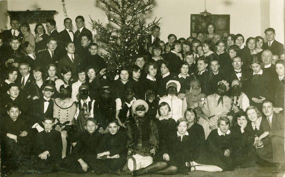 Zarasų krašto muziejaus nuotr. /Kalėdų šventė Zarasuose 1925 m.