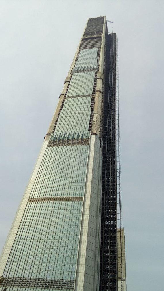 "Wikipedia Commons nuotr. // CC BY-SA 4.0/""Goldin Finance Tower"" Kinijoje"