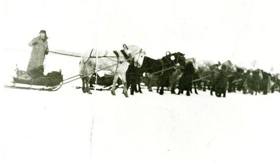 Zarasų krašto muziejaus nuotr. /Sartų lenktynės 1945 m.