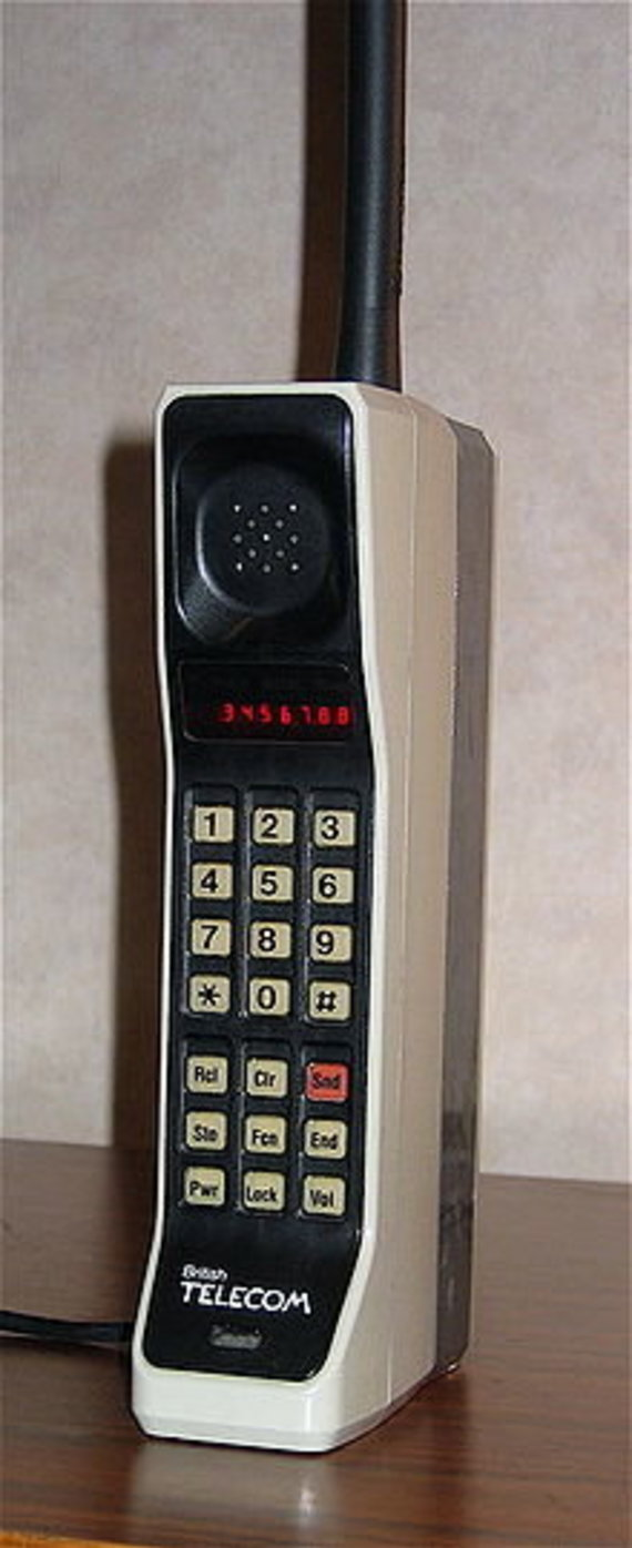 "Wikipedia Commons nuotr./""Motorola DynaTac"""