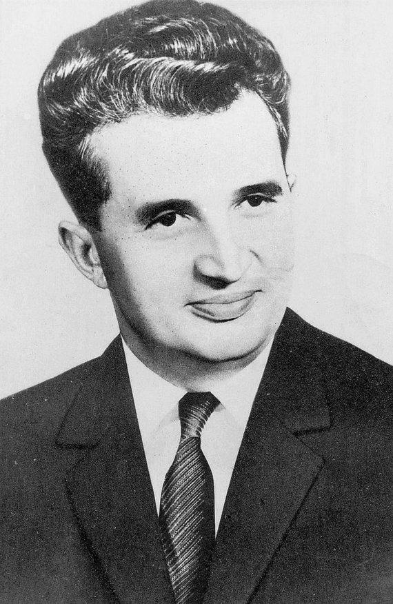 Wikimedia Commons nuotr./Oficiali Nicolae Ceausescu nuotrauka, daryta 1965 m.