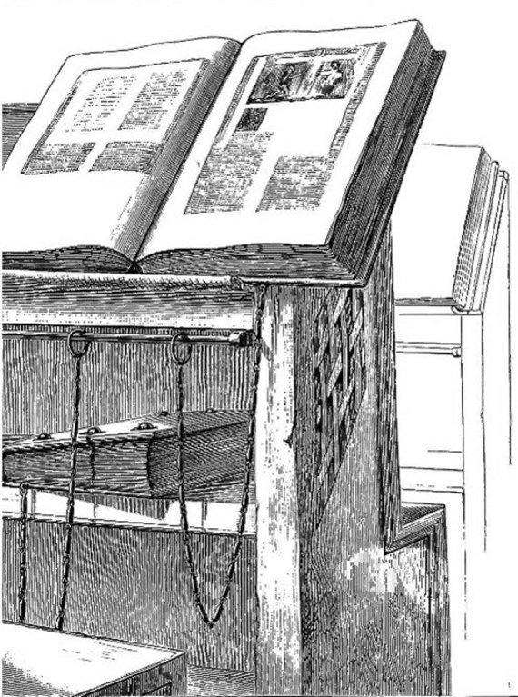 LDKistorija.lt pav./Bibliotekų baldai (spintos, pultai) ir knygos XVI-XVIII a.