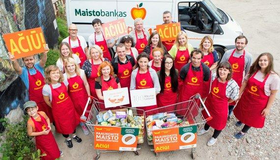 """""""Maisto banko"""" savanoriai: išmetamo maisto yra dar keturiskart daugiau, nei šiandien išdaliname. """"Maisto banko"""" nuotr."""