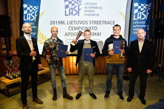Vytauto Pilkausko nuotr./Apdovanojimų akimirka
