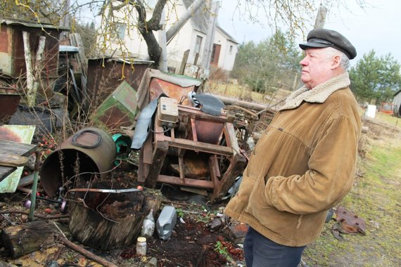 Tomo Markelevičiaus nuotr./Vandalai siaubė Kučgalio kaimą