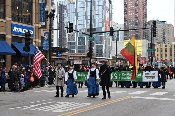 Čikagos lietuviai Padėkos dienos parade