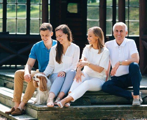 Asmeninio archyvo nuotr./Paula Ušackaitė su šeima