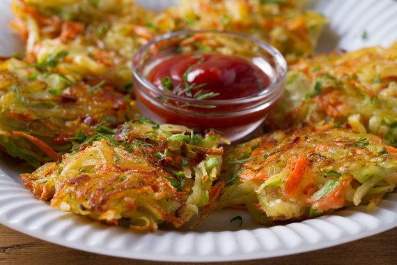 123RF.com nuotr./Daržovių – bulvių, cukinijų ir morkų – kepsneliai