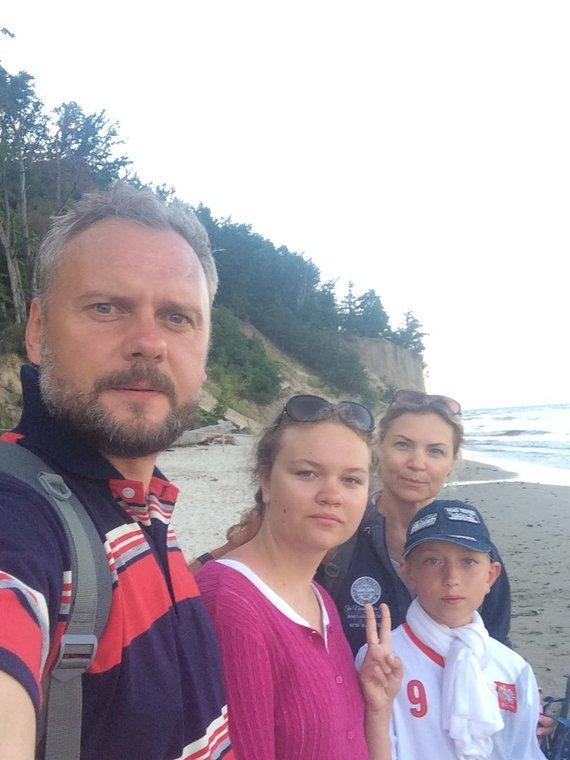Asmeninio archyvo nuotr. /Saulius Stirbinskas su šeima