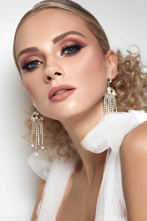 """N.Koinovos nuotr./M.Sivinskienės kurtas makiažas laimėjo antrą vietą """"Comercial Bridal Makeup"""" kategorijoje (""""RUTA model management"""" modelis, šukuosenos stilistė I.Kartunovič)"""
