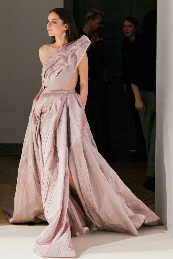 """""""Jurgita Lukos Photography"""" nuotr./R.Kalinkino sukurta vestuvinė suknelė"""
