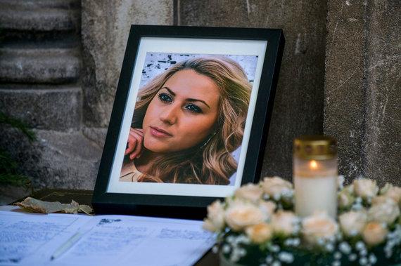 """AFP/""""Scanpix"""" nuotr./Viktorijos Marinovos laidotuvės"""