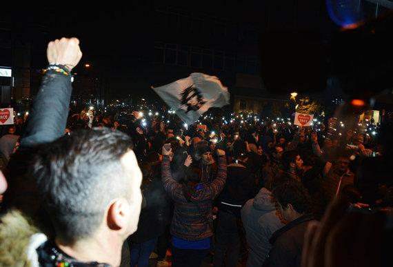 """""""Scanpix""""/""""PA Wire""""/""""Press Association Images"""" nuotr./Protestuotojai Bania Lukoje"""