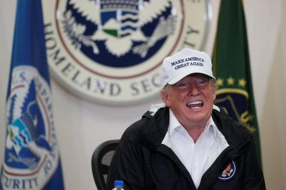 """""""Reuters""""/""""Scanpix"""" nuotr./Donaldas Trumpas Teksase prie JAV ir Meksikos pasienio"""
