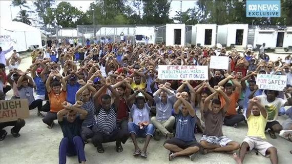 """""""Scanpix""""/AP nuotr./Prieglobsčio prašytojai Papua Naujojoje Gvinėjoje"""
