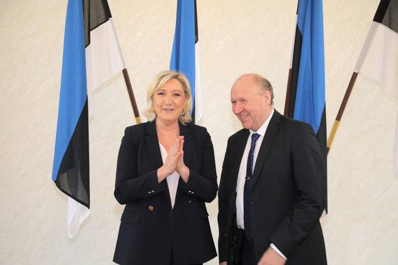 """Scanpix""/""SIPA"" nuotr./Marine Le Pen ir EKRE lyderis Martas Helme Taline"