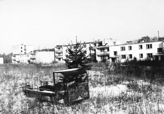 """AFP/""""Scanpix"""" nuotr./Apleistas kaimas Baltarusijos Gomelio rajone 1992 metais"""
