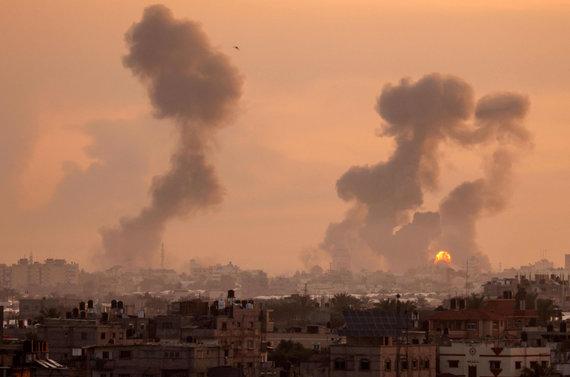"""AFP/""""Scanpix"""" nuotr./Izraelio aviacijos smūgiai Gazoje"""