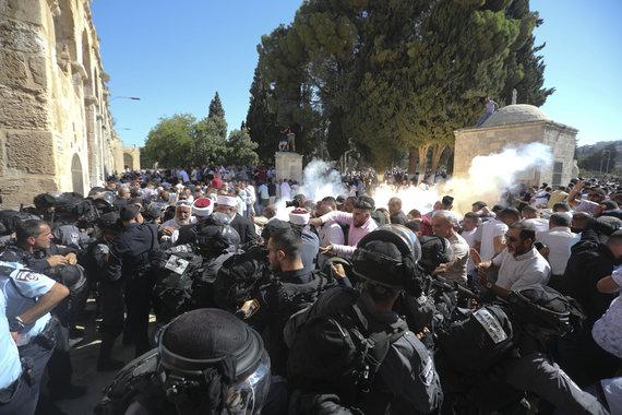 """""""Scanpix""""/AP nuotr./Izraelio policijos ir palestiniečių maldininkų susirėmimai"""