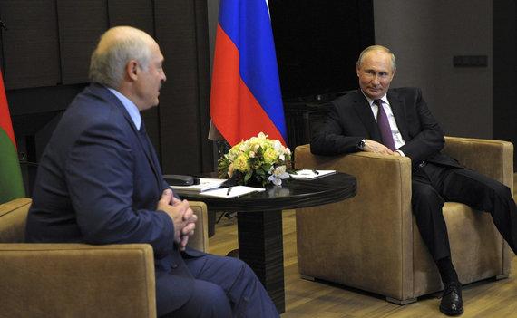 ZUMAPRESS / Scanpix nuotr./Vladimiro Putino ir Aliaksandro Lukašenkos susitikimas Sočyje